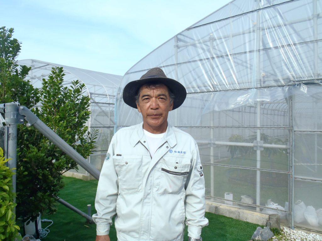 那覇マンゴー園の園主は那覇靖さん